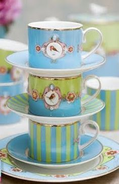 """I love the """"coffee can"""" shape of these tea cups!"""