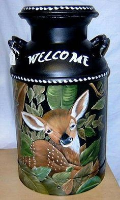 folk art pattern on milk cans Milk Pail, Milk Jug, Wood Scarecrow, Milk Can Decor, Painted Milk Cans, Vintage Milk Can, Old Milk Cans, Country Crafts, Country Farm