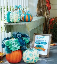Teal Pumpkins are perfect to let trick-or-treaters know you are providing food-less items! | Allergy awareness | Teal pumpkin project