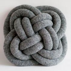 Notknot Pillows