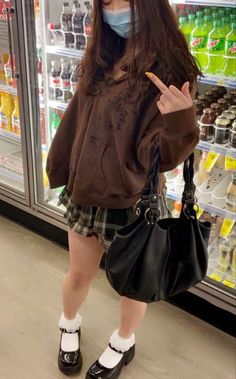 ♡ 𝐩𝐢𝐧𝐭𝐞𝐫𝐞𝐬𝐭: 𝐥𝐢𝐤𝐞𝐜𝐡𝟒𝐧𝐞𝐥 ☽ Grunge Outfits, Indie Outfits, Edgy Outfits, Cute Casual Outfits, Pretty Outfits, Fashion Outfits, 2000s Fashion, Swag Outfits, Girl Fashion