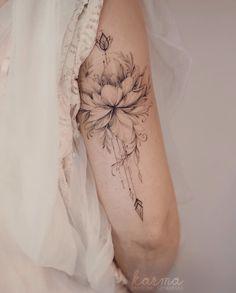 tattoos on back Hip Tattoos Women, Shoulder Tattoos For Women, Mom Tattoos, Cute Tattoos, Body Art Tattoos, Small Tattoos, Sleeve Tattoos, Tattos, Feminine Tattoo Sleeves