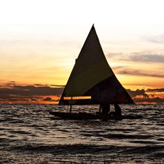 Sailing is a great thing to do with family on the lake. Cabin Activities, Things To Do, Sailing, Lifestyle, Fun, Photography, Travel, Things To Make, Candle