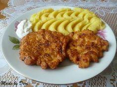 NAŠE ČASTO VAŘENÉ JÍDLO - Kuřecí placky: 1/2 kg: kuřecího masíčka - nakrájet na tenké nudličky 4 cibule: nakrájet na půlkolečka ( ale já půlkolečka krájím ještě na půlku ) 4 vajíčka 2 pol. lžíce: sojové omáčky 1 pol. lžíce: magi - polévkové koření 1 pol. lžíce: worcestru 4 pol. lžíce: solamylu mletá paprika dle chuti pepř dle chuti sůl dle chuti - udělat jeden den dopředu a na druhý den smažit, podávat sčím chceme a je tu dobré i postudenu ...
