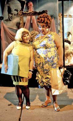 Ricki Lake & Divine as 'Tracy & Edna Turnblad' in Hairspray (1988)