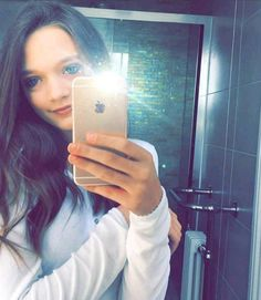 Daisy Tomlinson, Louis Tomlinson, Zayn, Sisters, Girly, Selfie, Women's, Girly Girl, Selfies