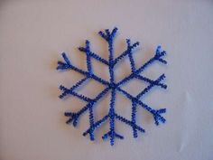 pipe cleaner snowflake These would be so pretty in white with a touch of light blue and clear glitter.