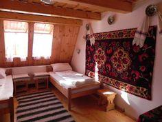 Simple House, Simple House Design, Interior Decorating, Interior, Traditional House, Traditional Design, Home Decor, Traditional Interior Design, Rustic House