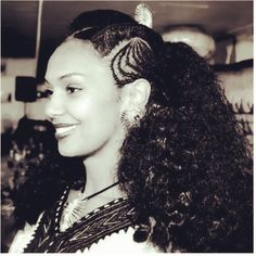 The ancient hairstyles and dresses worn by Habesha women of Ethiopia and Eritrea Ethiopian Hair, Ethiopian Beauty, Egyptian Hairstyles, Wedding Hairstyles, Cool Hairstyles, Curly Hair Styles, Natural Hair Styles, African American Hairstyles, Punk