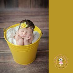 Kwiatku fotografia noworodkowa trójmiasto, dziewczynka, noworodek, zdjęcie noworodka, w koszyku