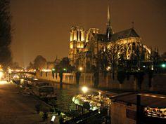 Noche en Notre Dame, Paris.