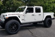 Jeep Gladiators Look Awesome Lifted Jeep Gladiator Jeep Offroad Jeep