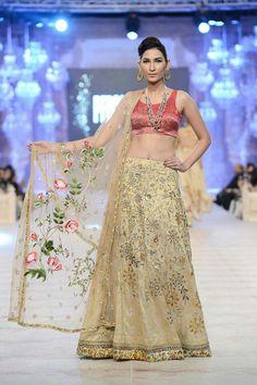 Abeera Adeel wearing Sania Maskatiya