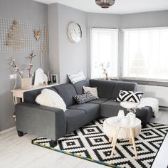 45 Small Apartment Living Rooms with the Best Space-Saving Ideas - Modern Condo Living Room, Decor Home Living Room, Small Apartment Living, Living Room White, Living Room Designs, Living Rooms, Small Apartment Furniture, Home Decor Furniture, Apartment Ideas