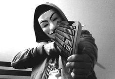 Wow, hacker ini dihukum selama 334 tahun penjara! Apa penyebabnya yah sampai diberikan hukuman melebihi batas umurnya? Yuk simak info selengkapnya disini
