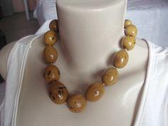 Colar Buriti Amarelo http://www.elo7.com.br/colar-buriti-amarelo/dp/402D38#df=d&uso=o