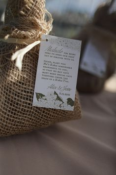 Wedding favors of trees to take home and plant. Burlap in Hawaii -- so many uses for your destination wedding #Hawaii #wedding