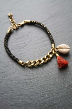 Rope, chain and shell bracelet