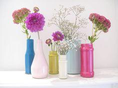 Haz candelabros y floreros con botellas