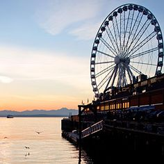 Great Wheel attraction - Seattle, WA