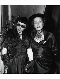 "Edith Head and Gloria Swanson  ""Sunset boulevard"" 1950"
