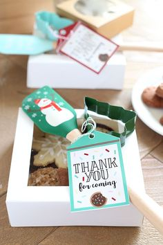 How to Host a Christmas Cookie Exchange with FREE PRINTABLES included!