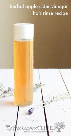DIY your own herbal apple cider vinegar hair rinse - plus learn how often to use it, the best time to use it, and how to avoid ruining your hair with it! All You Need Is, Vinegar Hair Rinse, Apple Cider Vinegar For Hair, Rides Front, Natural Remedies For Anxiety, Natural Cures, Natural Healing, Diy Hairstyles, Natural Skin