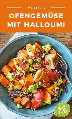 Colorful roast vegetables with Halloumi avocado and homemade parsley chimichurri - Healthy Food Vegetarian Lunch - [post_tags Veggie Recipes, Salad Recipes, Vegetarian Recipes, Healthy Recipes, Oven Vegetables, Roasted Vegetables, Vegetarian Lifestyle, Vegetarian Lunch, Fast Dinners