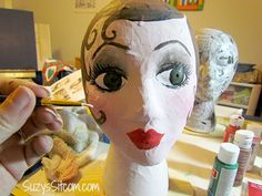 DIY Flapper Mannequin Hat Stand How to make handpainted paper mache mannequin heads. Cute idea to hold your hats or headbands! Paper Mache Crafts For Kids, Paper Crafts, Retro Crafts, Fun Crafts, Peach Paint, Styrofoam Head, Hat Holder, Mannequin Art, Flapper