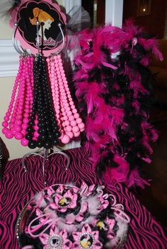 Glam station for Barbie Party (convert it to Monster High for Autumn)