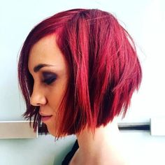 Top short shag hairstyles for women. Trendiest shaggy haircuts for short hair. Best short shag hairstyles for every occasion. Short Shag Hairstyles, Stacked Bob Hairstyles, Cool Hairstyles, Kids Bob Haircut, Shaggy Bob Haircut, Bob Haircuts, Honey Blond, Bobs For Thin Hair, Queen Hair