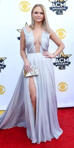 Miranda Lambert dazzles on the red carpet at the annual ACM Awards in Arlington, Texas, on April Blake Shelton Miranda Lambert, Miranda Lambert Photos, Country Women, Country Girls, Celebrity Red Carpet, Celebrity Style, Country Music Awards, Country Singers, Blush Prom
