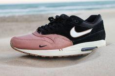 Custom Sneakers Nike Air Max 1 - Sand Mini Swoosh