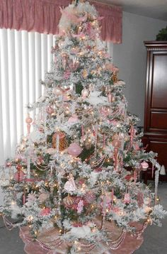 60 Flocked Christmas Tree Decor Ideas Suitable for Special Moment - About-Ruth Pink Christmas Decorations, Flocked Christmas Trees, Beautiful Christmas Trees, Noel Christmas, Christmas Tree Ornaments, Pink Decorations, Xmas Trees, Primitive Christmas, Country Christmas