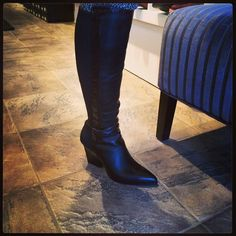 just arrived so sleek Knee Boots, Van, My Style, Shoes, Fashion, Zapatos, Moda, Shoes Outlet, La Mode
