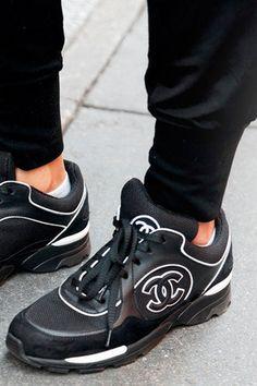new concept 06198 fad01 Chanel Skor, Sneakers Mode, Skor Sneakers, Nike Skor, Oxfordskor, Feminin  Stil