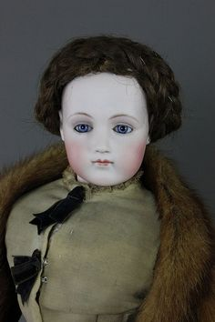 """19"""" JUMEAU PORTRAIT FRENCH FASHION LADY - by McMasters Harris Appletree Doll Auctions"""