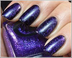 Cirque - Queen Majesty (over black) by NailsandNoms