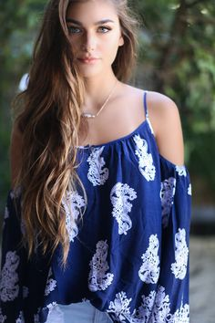 Amazing Lace is a USA small business online eclectic fashion boutique for free spirited and moody babes. Summer Dress Outfits, Spring Outfits, Cool Outfits, Cold Shoulder Shirt, Cold Shoulder Tops, Love Fashion, Fashion Models, Fashion Outfits, Plus Size Women