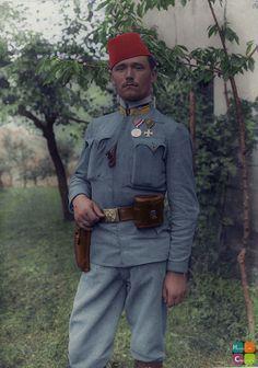 Stabsfeldwebel Stefan Paulic-Filjic, vom 3. bosnisch-herczegowinischen Infanteriebataillon der 1. Gebirgsbrigade mit der großen silbernen Tapferkeitsmedaille 1915