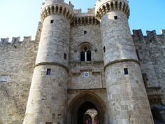 Planning a trip to the island of Rhodes, in Greece and you are looking for information? In this post find the best things to do in Rhodes, Greece. Stuff To Do, Things To Do, Medieval Town, The Grandmaster, Past Life, Greek Islands, The Best, Greece, Palace