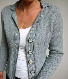 Ravelry: Perfect Edge pattern by Jutta von Hinterm Stein Knit Cardigan Pattern, Sweater Knitting Patterns, Jacket Pattern, Knitting Stitches, Knitting Designs, Knit Patterns, Baby Knitting, Ravelry, Knit Jacket