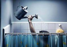 * Cuando te bañes, pon una cubeta mientras sale el agua caliente y cierra la regadera mientras te enjabonas. ¡El agua es vida, cuidémosla!