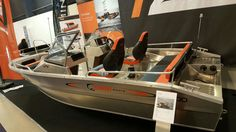 Wij hebben weer een aantal supermooie modellen van UMS Tuna binnen gekregen :-) En in Mei hebben we tevens speciale actieprijzen op diverse modellen. Kom langs bij TTH Watersport in Wieringerwerf of bel voor meer info met 0227-604362