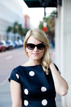 caycee from hanging with the hewitts in the kate spade new york livia 2 sunglasses and spotlight fiorella dress.
