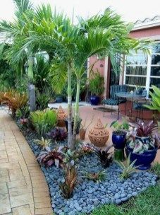 Simple And Beautiful Front Yard Landscaping Ideas 41