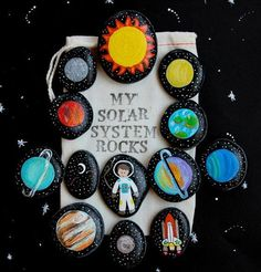 Solar System Story Stones and Painted Rocks / by (Diy Manualidades Parties) Story Stones, Rock Crafts, Arts And Crafts, Space Crafts, My Solar System, Ideias Diy, Space Theme, Pebble Art, Stone Painting
