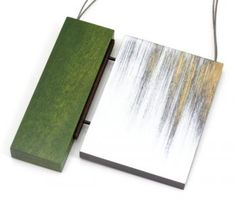 Julia Turner, Forest Blur Pendant, 2014, wood, paint, sterling silver, 78 x 81 x 10 mm, photo: Kate Eickelberg