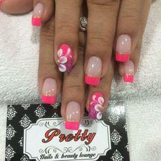 Clienta feliz con sus uñas acrilicas esculpidas.  Las esperamos en Cra 58 # 68 - 157 o aparta tu cita llamando al 3605687 o por Whatsapp al 3015229787.  #Prettynailslounge #nail #nails #acrylicnails #polish #nailart #nailsacrylic #nailpolish #nailspolish #nailsaddict #uñas #uñasacrilicas #nailartpromote #fashion #barranquilla by prettynailslounge