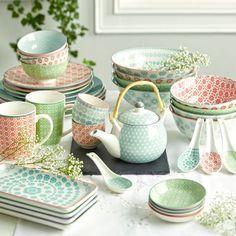 Kaffeebecher aus Keramik in verschiedenen Motiven erhältlich. D/H: ca. 8,5/10,2cm